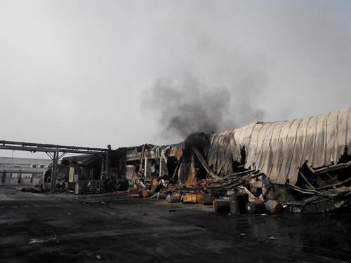 Công ty mực in Nhật Bản hoang tàn sau hỏa hoạn - 6