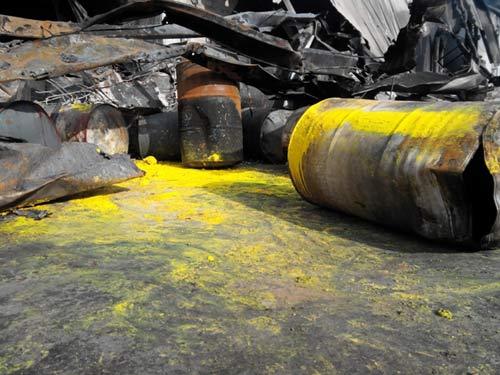 Công ty mực in Nhật Bản hoang tàn sau hỏa hoạn - 8