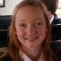 Bị bố mẹ tịch thu điện thoại, bé gái nhảy lầu tự tử - 2
