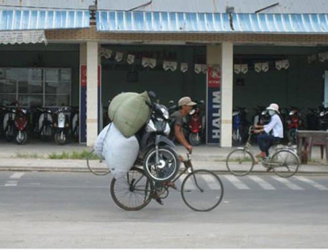 Anh là tay lái cứng nhưng chiếc xe đạp mới là lực sĩ