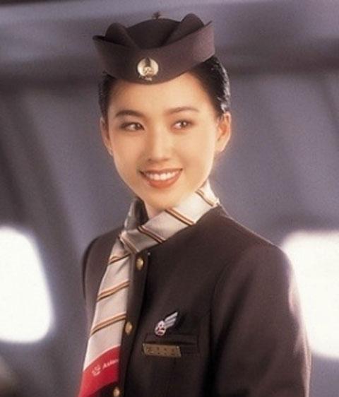 3 kiều nữ làm tiếp viên hàng không xinh như mộng - 1
