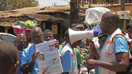 Guinea: Sợ Ebola, dân nổi dậy đánh chết 8 quan chức - 1
