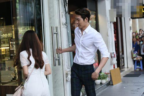 "Ngọc Thảo ""nhỏ bé"" bên Kim Woo Bin - 5"