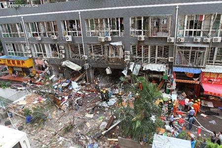 TQ: Nổ chung cư cao cấp, ít nhất 31 người thương vong - 1