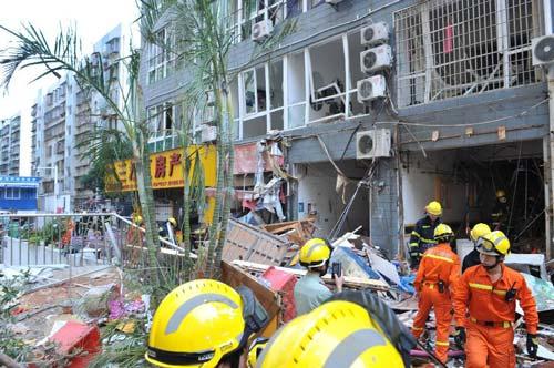 TQ: Nổ chung cư cao cấp, ít nhất 31 người thương vong - 2