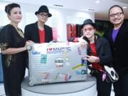 Trần Mạnh Tuấn khoe chiếc vali dùng 21 năm