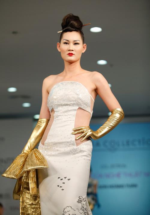 Thời trang Nhật cách tân táo bạo trên sàn diễn Việt - 12