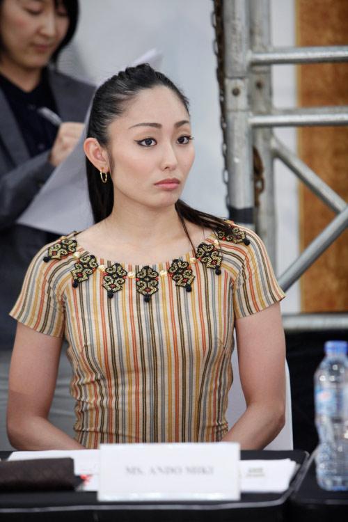 Thời trang Nhật cách tân táo bạo trên sàn diễn Việt - 1