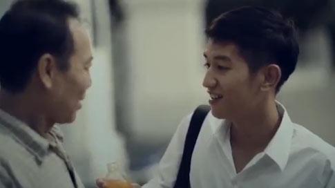 """Ứa nước mắt với clip """"Khi cha mẹ nói dối"""" - 1"""