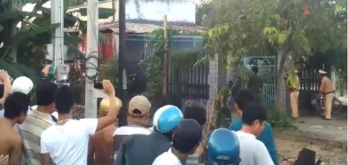 Dân ùa vào xem giang hồ đấu súng với cảnh sát - 1