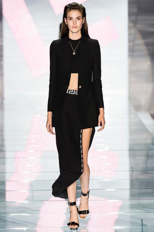 Versace: Sự lựa chọn số 1 của các cô gái hiện đại - 1