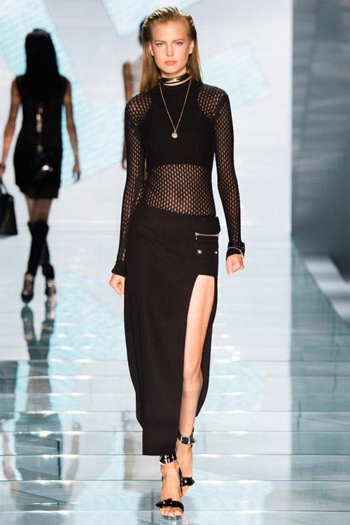 Versace: Sự lựa chọn số 1 của các cô gái hiện đại - 14