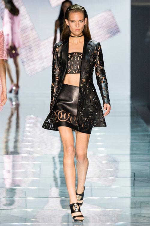 Versace: Sự lựa chọn số 1 của các cô gái hiện đại - 18