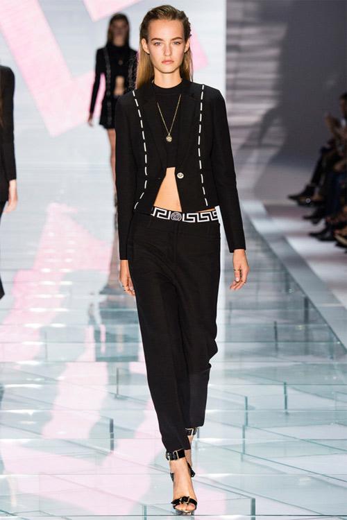 Versace: Sự lựa chọn số 1 của các cô gái hiện đại - 3