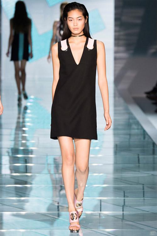 Versace: Sự lựa chọn số 1 của các cô gái hiện đại - 9