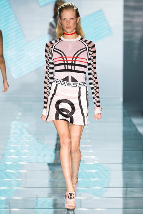 Versace: Sự lựa chọn số 1 của các cô gái hiện đại - 10
