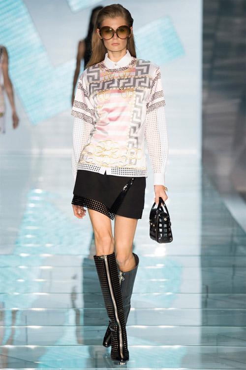 Versace: Sự lựa chọn số 1 của các cô gái hiện đại - 11