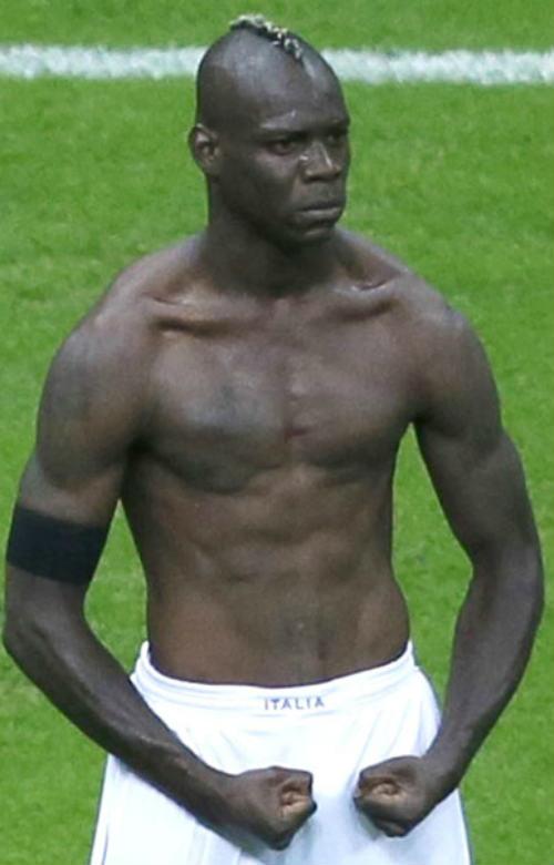 Balotelli - Anh hề chơi ngông - 1