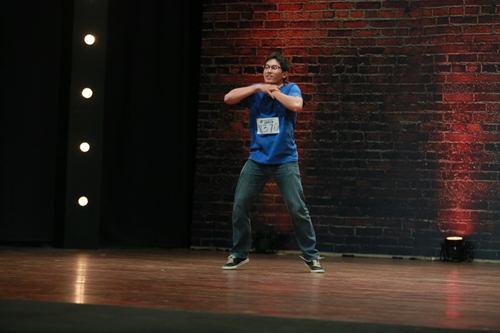 Vũ công điển trai gây sốt tại Thử thách cùng bước nhảy - 4