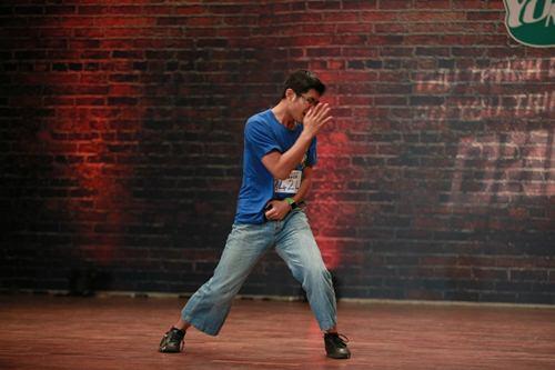 Vũ công điển trai gây sốt tại Thử thách cùng bước nhảy - 5