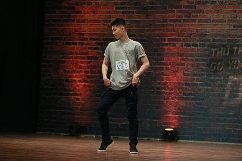 Vũ công điển trai gây sốt tại Thử thách cùng bước nhảy - 1