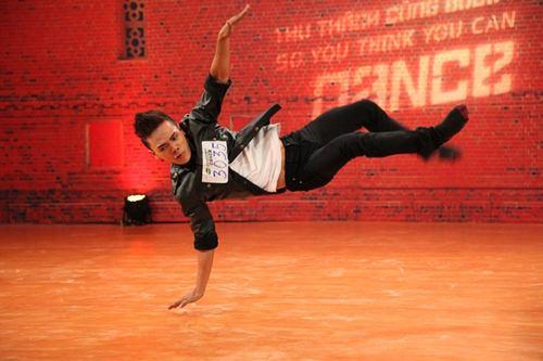 Vũ công điển trai gây sốt tại Thử thách cùng bước nhảy - 11