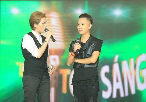 Trịnh Thăng Bình đốt hình tình tứ với Tâm Tít trên sân khấu - 4
