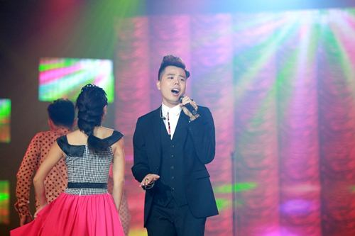 Trịnh Thăng Bình đốt hình tình tứ với Tâm Tít trên sân khấu - 5