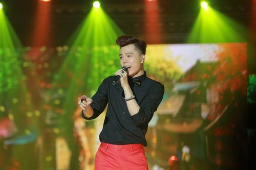 Trịnh Thăng Bình đốt hình tình tứ với Tâm Tít trên sân khấu - 7