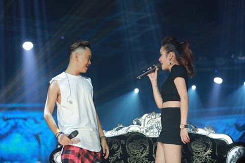 Trịnh Thăng Bình đốt hình tình tứ với Tâm Tít trên sân khấu - 8
