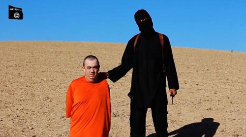 Vợ con tin người Anh Alan Henning cầu xin IS thả chồng - 2