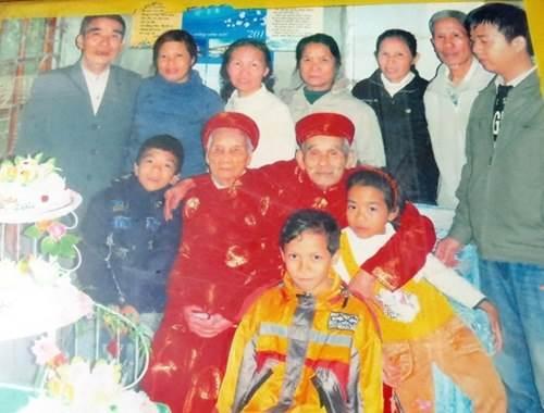 Cuộc sống của cặp vợ chồng 106-104 tuổi ở Quảng Trị - 1