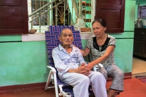 Cuộc sống của cặp vợ chồng 106-104 tuổi ở Quảng Trị - 3