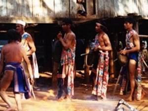 """Những kiểu phạt """"gian phu, dâm phụ"""" kỳ lạ của đồng bào thiểu số Việt Nam"""