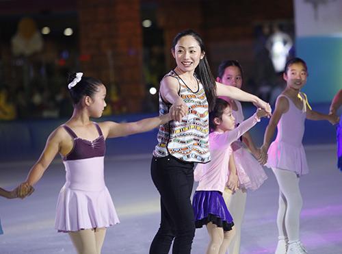 Nữ hoàng trượt băng thế giới biểu diễn tại VN - 6
