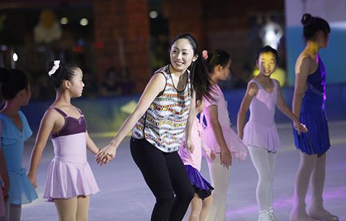Nữ hoàng trượt băng thế giới biểu diễn tại VN - 7