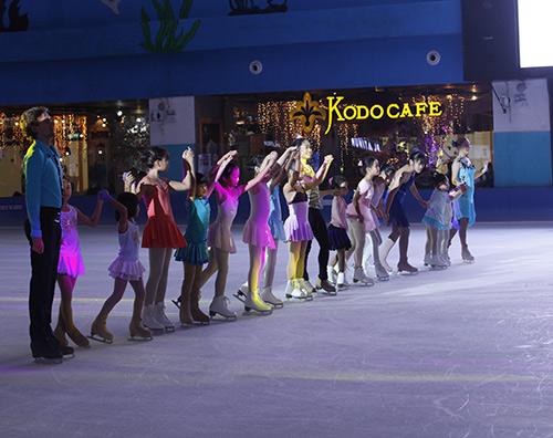 Nữ hoàng trượt băng thế giới biểu diễn tại VN - 9