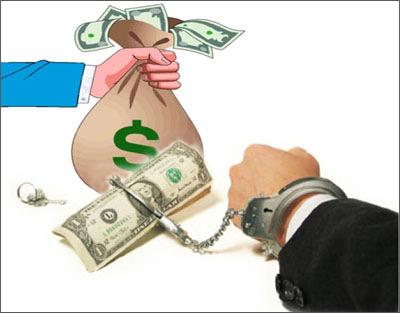 Ngoài tiền, người tố cáo tham nhũng cần được bảo vệ - 2