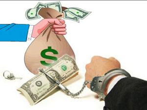 Ngoài tiền, người tố cáo tham nhũng cần được bảo vệ