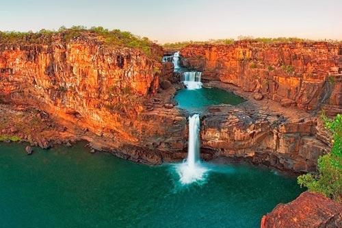 Chiêm ngưỡng thác nước 4 tầng tuyệt đẹp ở Australia - 1