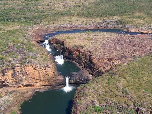Chiêm ngưỡng thác nước 4 tầng tuyệt đẹp ở Australia - 2