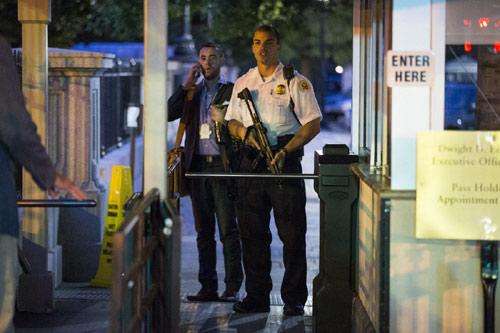 Cựu binh xách dao vào Nhà Trắng, Mật vụ Mỹ khổ sở - 1
