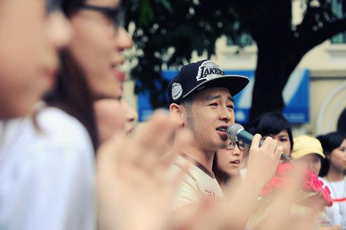 Con gái Thanh Lam và bạn trai tình cảm đi xem ca nhạc - 6