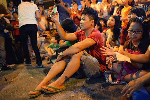 Con gái Thanh Lam và bạn trai tình cảm đi xem ca nhạc - 16