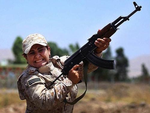 Sợ mất 72 trinh nữ, chiến binh IS hò nhau tháo chạy - 3