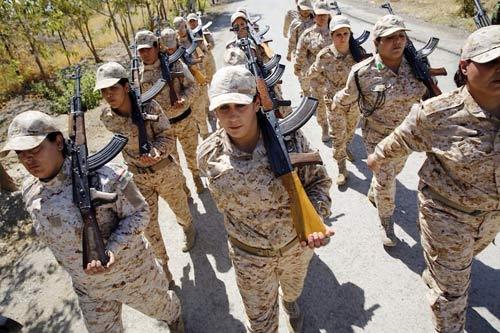 Sợ mất 72 trinh nữ, chiến binh IS hò nhau tháo chạy - 2