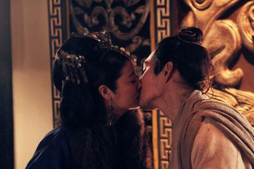"""Những cảnh """"yêu"""" của Lâm Tâm Như với các """"nam thần"""" - 3"""