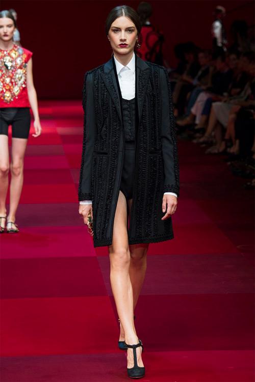 Dolce & Gabbana vẫn hấp dẫn mê hồn dù cũ kỹ - 11