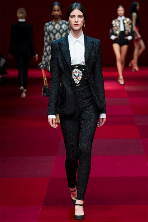 Dolce & Gabbana vẫn hấp dẫn mê hồn dù cũ kỹ - 13