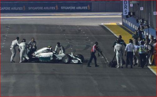 Singapore GP: Sức mạnh Hamilton – Mercedes - 1